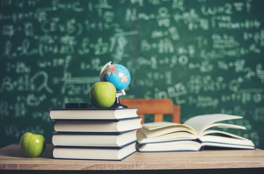 PÓS-GRADUAÇÕES NA ÁREA DA EDUCAÇÃO